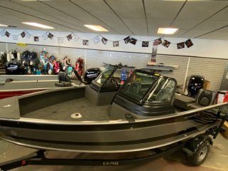 2021 Lund 1875 Impact XS Fishing Boat. Call Watertown 'Sales' 204.345.6663