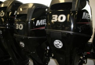 2018 Mercury 30 MLH GA FourStroke Outboard Motor. Call Watertown 'Sales' 204.345.6663