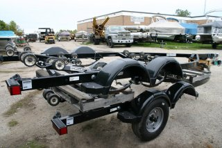 2019 Shoreland'r LUX40TELWMSO-03 Roller Boat Trailer. Call Watertown 'Sales' 204.345.6663
